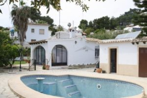 162508-3 BEDROOMED VILLA IN MORAIRA ALL ON ONE LEVEL-01