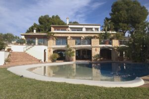 135296-Villa for sale with sea views-01